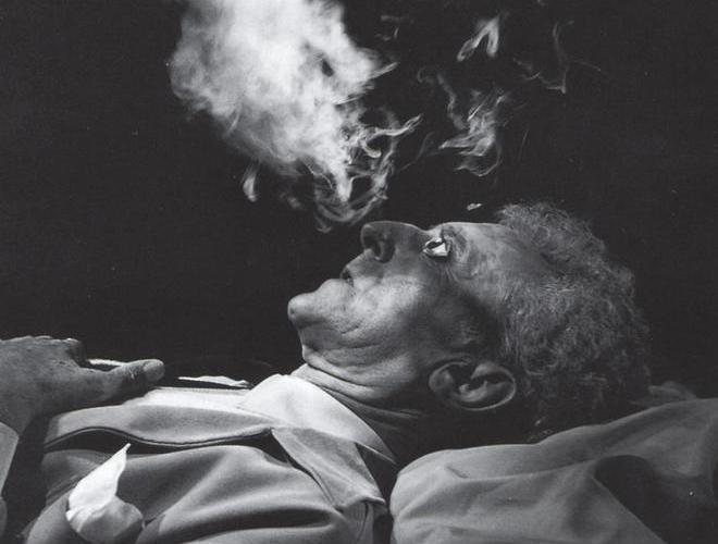 """Jean Cocteau, en """"El testamento de Orfeo"""", 1959"""